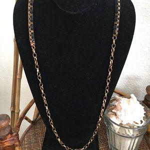 🎀5/$25🎀 MACY'S Black and Gold Tone Link Belt